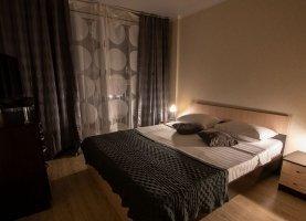 Снять - фото. Снять двухкомнатную квартиру посуточно без посредников, Краснодарский край, Красная улица, 176лит5/4 - фото.