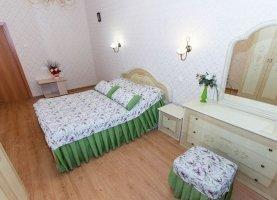 Сдача в аренду 2-комнатной квартиры, 85 м2, Новосибирск, улица Кирова, 27